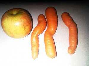 2:29pm Delicious organic carrots and an apple